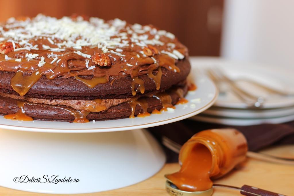 Tort de ciocolata cu caramel sarat