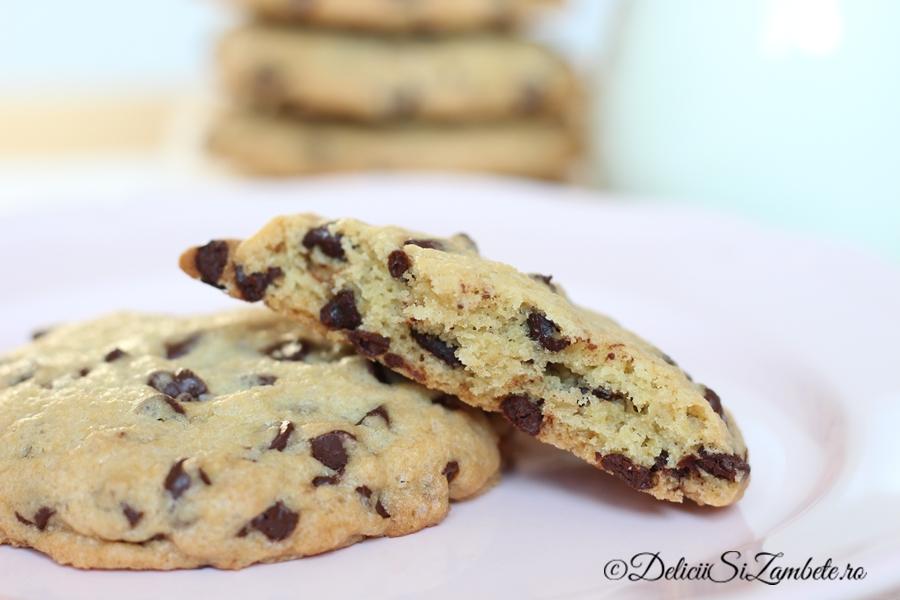 biscuiti-cu-ciocolata-chocolate-cookies