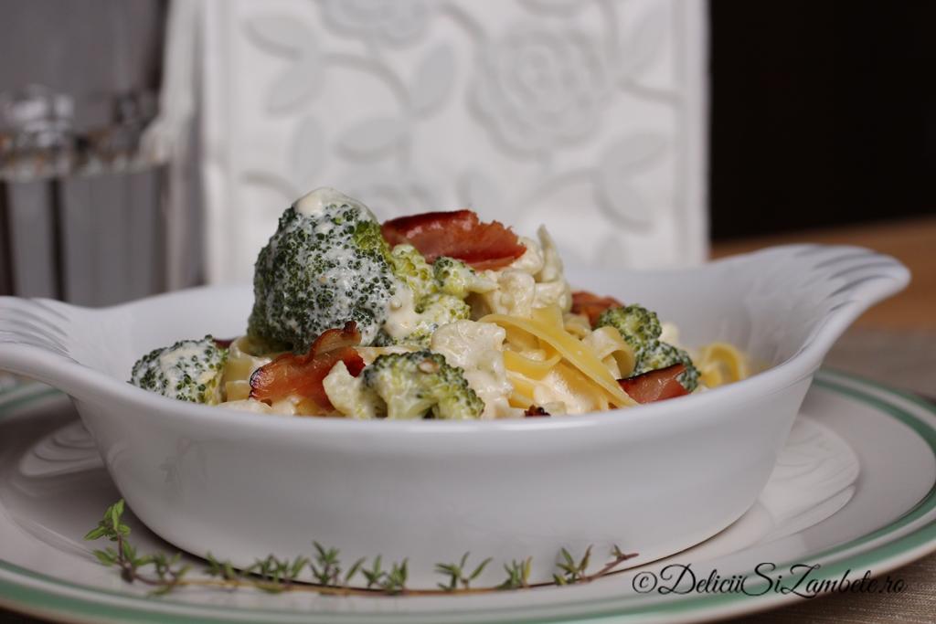 Tagliatelle cu broccoli in sos de smantana