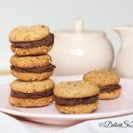 Biscuiti de post cu migdale, alune de padure si crema de ciocolata
