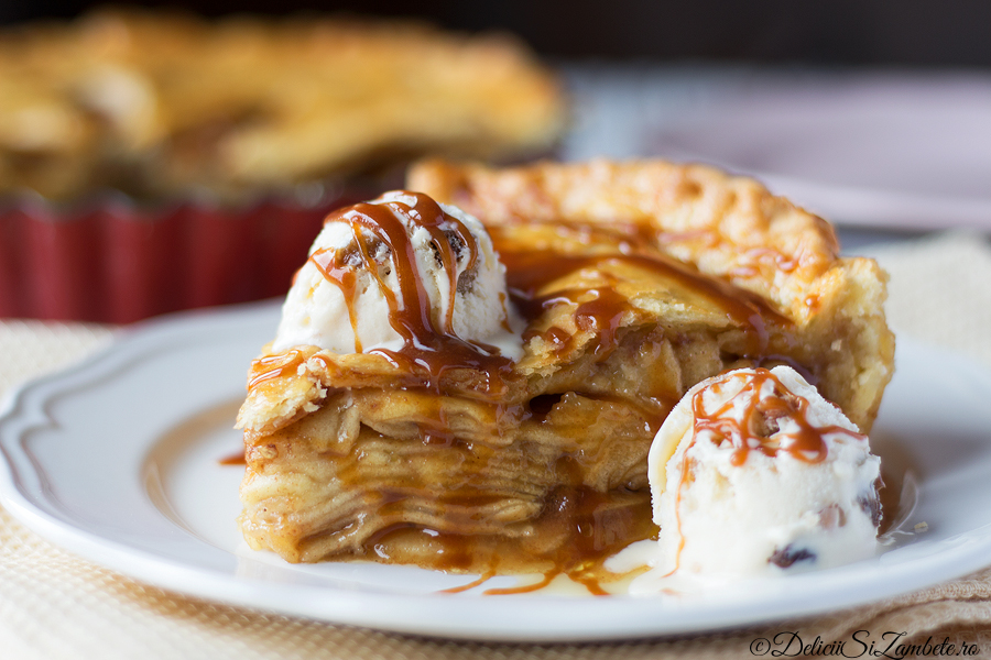 Placinta cu mere si caramel