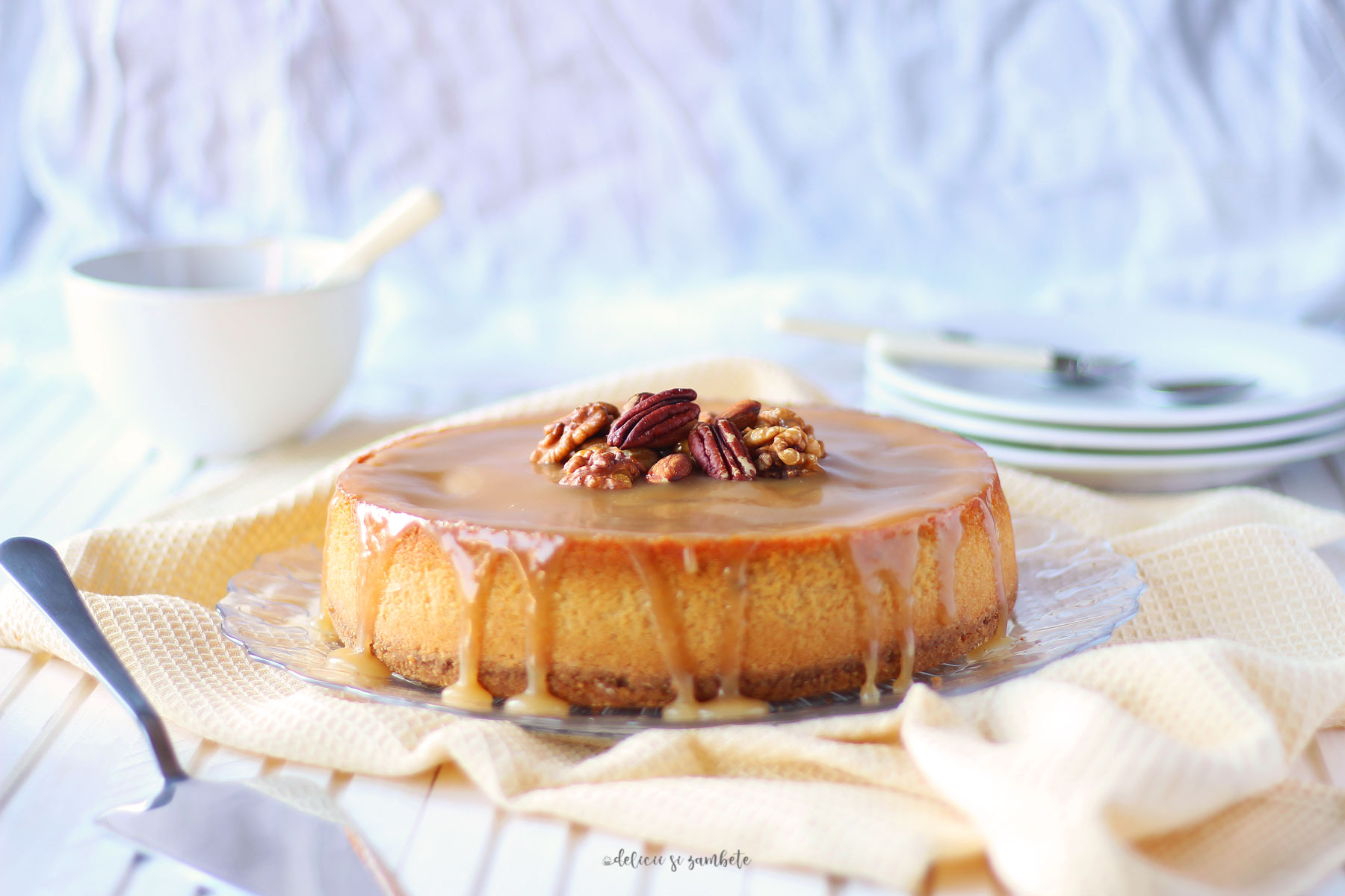 New York cheesecake vegan cu sos de caramel