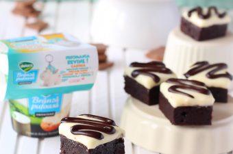 Brownie cu crema de branza